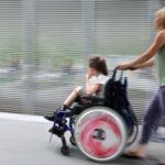 Какие льготы у матери ребенка-инвалида?